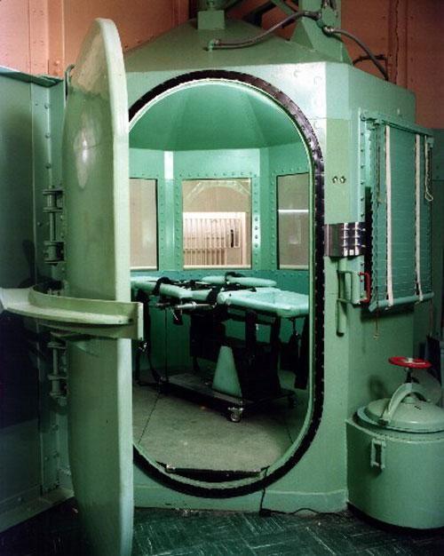 Méreginjekció kamra a kaliforniai San Quentin börtönben